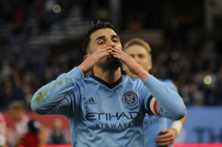 David Villa's 400th Goal Celebration